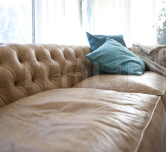 Трехместный диван Messier 4383 фабрика Tonin Casa