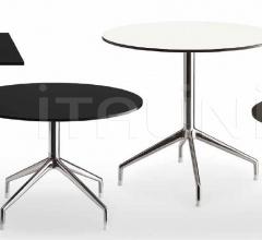 Квадратный стол SINA ST0807Q фабрика B&B Italia