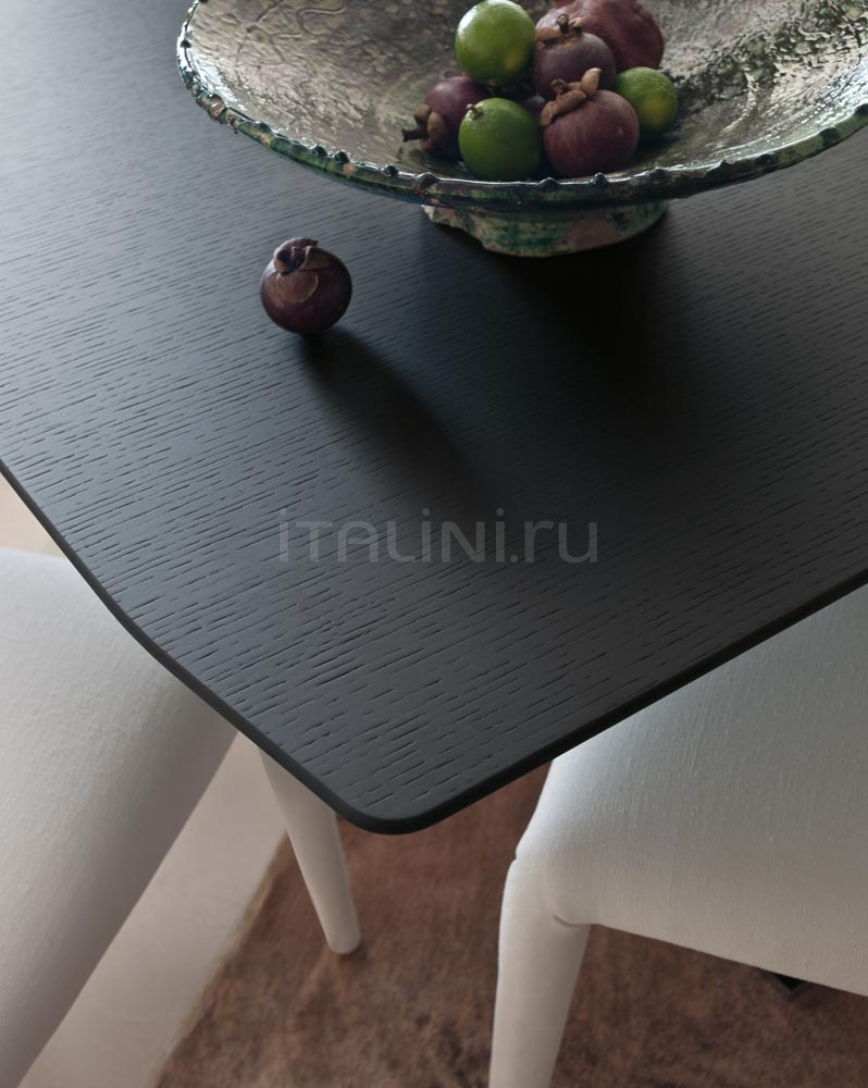 Стол обеденный EILEEN B&B Italia