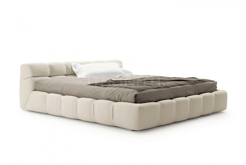 Кровать TUFTY-BED B&B Italia
