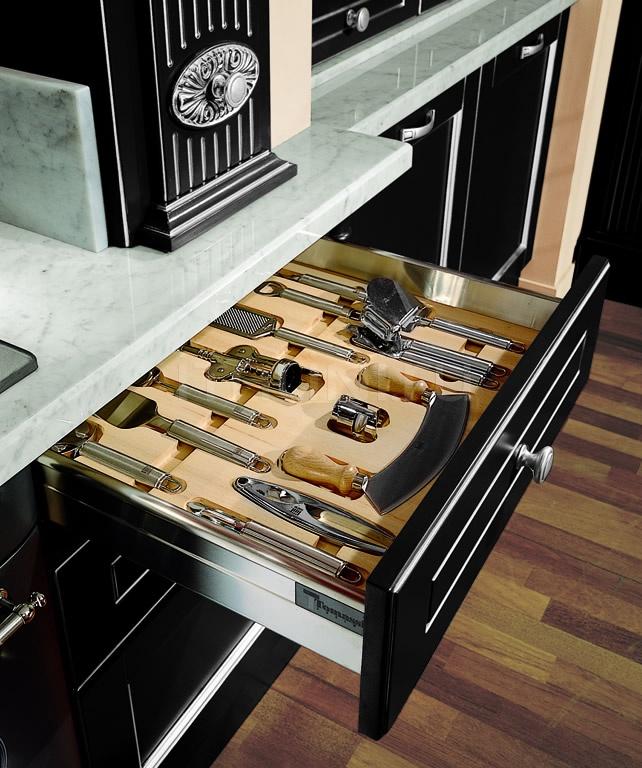 Кухня Solaria laccato nero Tomassi Cucine