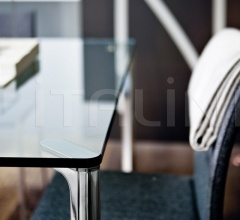 Стол обеденный 2525 Spillo фабрика Zanotta