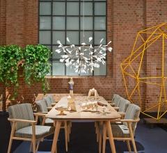 Стул с подлокотниками Zio Dining Chair фабрика Moooi