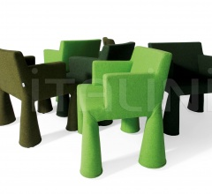 Стул с подлокотниками V.I.P. Chair фабрика Moooi