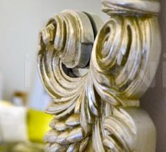 Настенное зеркало VANITAS фабрика Versace Home