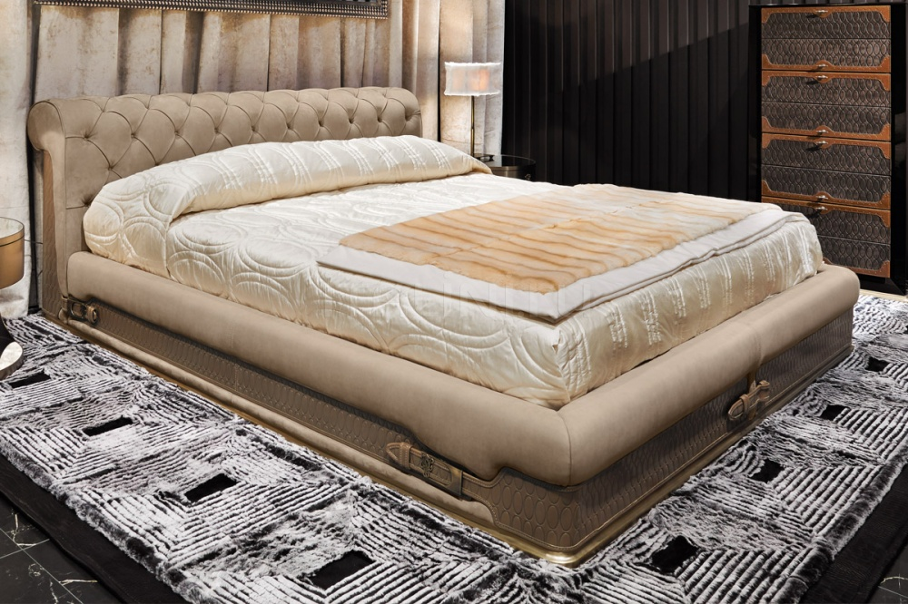 Кровать Chester Laurence IPE Cavalli (Visionnaire)