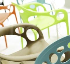 Итальянские стулья - Стул с подлокотниками Supernatural фабрика Moroso