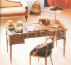 Письменный стол M 1146 фабрика Annibale Colombo