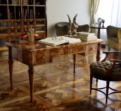 Письменный стол M 1402 фабрика Annibale Colombo