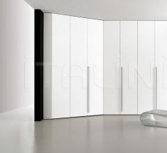 Dressing room wardrobe w/ 3 doors