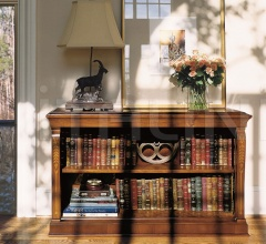 Low bookcase (Albeniz)