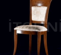 Formia Chair