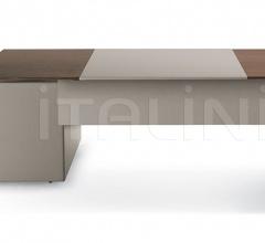 Письменный стол C.E.O. Cube фабрика Poltrona Frau
