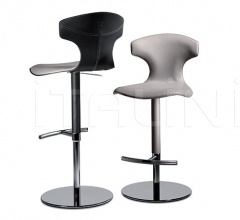 Барный стул Montera фабрика Poltrona Frau