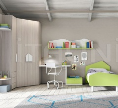 Bedroom with free-standing bed 12