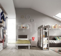 Bedroom with free-standing bed 14