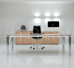 Han executive and office furniture in Zebrano Chiaro wood.