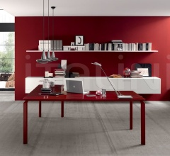 Anyware desk with Rosso Scuro glass lacquered, Amarena frame.