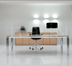 Executive office with Zebrano Chiaro Han desk, aluminium Brill structure.