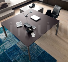 Anyware square meeting table.