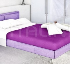 SINGLE BED ON BENCH
