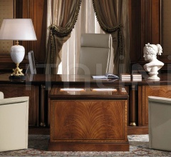 A 946 Presidential Desk