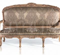 A 1067 3 seater sofa