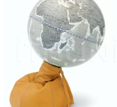 """Pungiball"" design desk globe on leather base - Amber/Warm Grey"