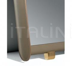 Настенное зеркало Dorian фабрика Poltrona Frau