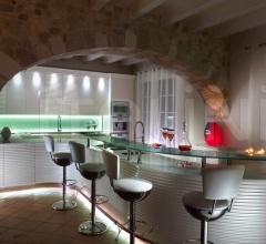 Итальянские кухни с барной стойкой - Кухня PERLA фабрика Francesco Molon
