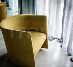 Кресло Pisa фабрика Tacchini