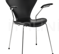 Стул с подлокотником SERIES 7™ фабрика Fritz Hansen
