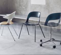 Кресло PAIR™ фабрика Fritz Hansen