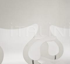 Стул с подлокотником LILY™ фабрика Fritz Hansen