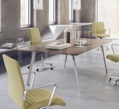 Стол обеденный PLURALIS™ фабрика Fritz Hansen