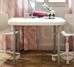 Итальянские письменные столы - Письменный стол Desk with Poly legs фабрика Nidi