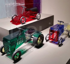 Итальянские детская - Машинка DISCOVOLANTE фабрика Kartell