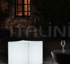 Столик Lounge Cube фабрика Serralunga