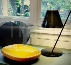 Настольная лампа La Petite Table фабрика Artemide