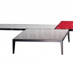 Журнальный столик Tablino фабрика Poltrona Frau