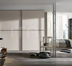 Meridiana sliding door