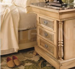 Bedside table (Trianon)