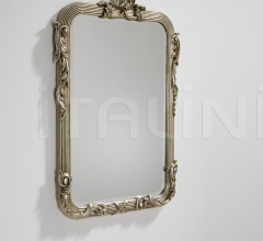 Mirror with carvin
