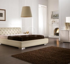 Opera line, light brown lacquer _ Letto Vision quilted leather, butter-colored