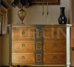 Inlaid chest of drawers