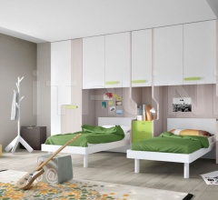 Bedroom with overbed unit 27