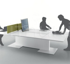 Table dedicated to the meeting and work with Turnable screen.