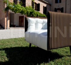 Inattesa armchair with fully removable and fire retardant fabric Verde Oliva and Bianco.